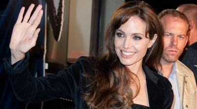 Анджелина Джоли удалила себе обе груди из-за угрозы рака